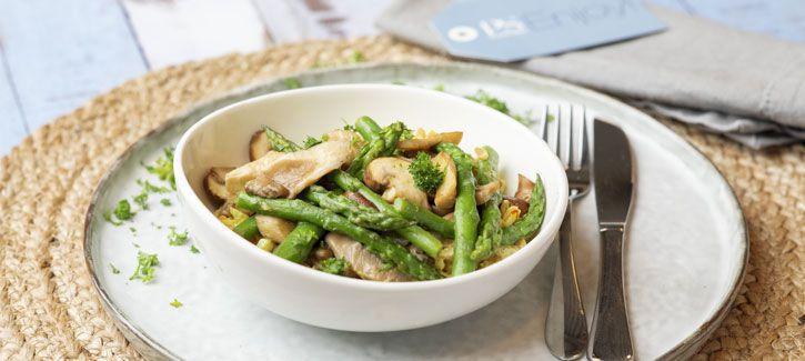 Rijstrisotto met asperges en champignons